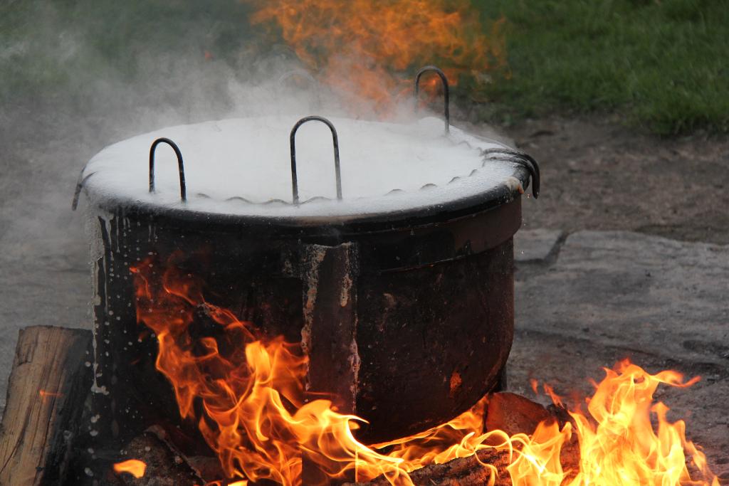 a fish boil kettle