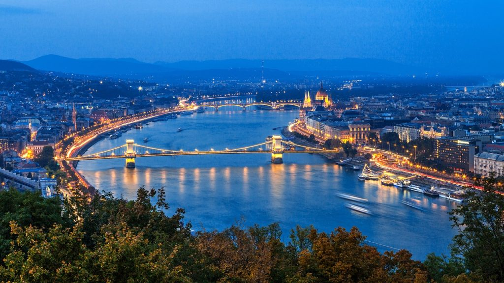 Danube River in Hungary a scenic and inexpensive option for people how want to take a European vacation